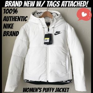 ❣️SALE! 100% AUTHENTIC NIKE PUFFY JACKET! 😍